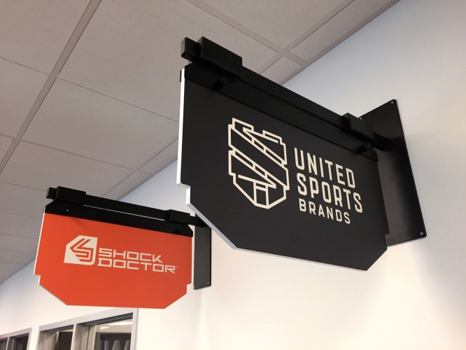 UnitedSportsBrands_08_Flags.jpg
